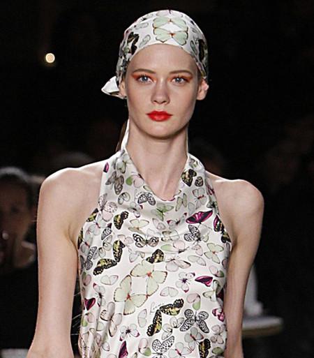 Нескромные косынки - модный тренд лета 2012 — фото 12
