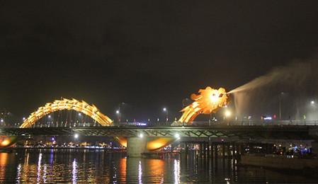 Огнедышащий Мост Дракона во Вьетнаме — фото 6