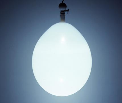 Светящиеся воздушные шарики Balloon Lamp от компании Estiluz — фото 5