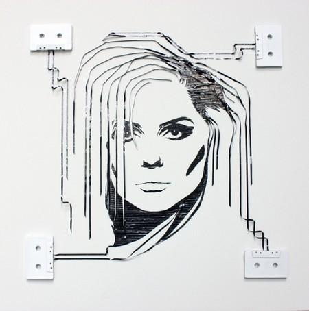 Портреты знаменитостей из старых магнитофонных кассет — фото 6