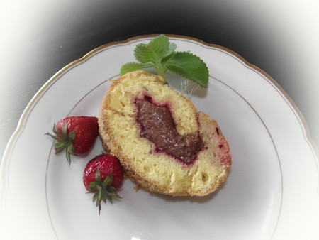 Бисквитный рулет с шоколадным кремом — фото 19