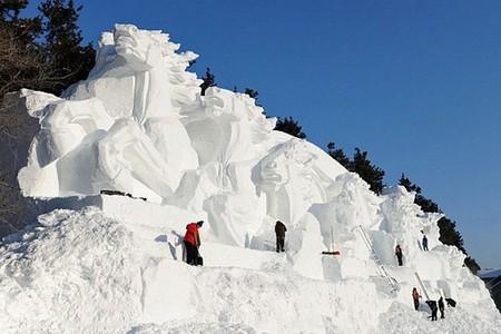 Китайский Фестиваль скульптур из снега Jingyue Snow World Festiva — фото 6