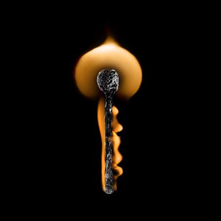 Из дыма и огня. Креативные фотографии горящих спичек. — фото 6