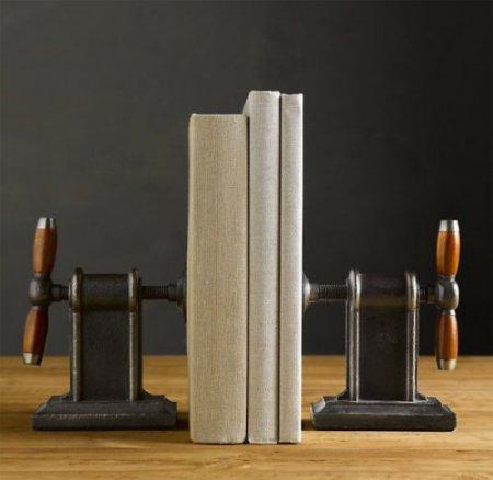 Дизайн на книжной полке: креативные подставки для книг — фото 11