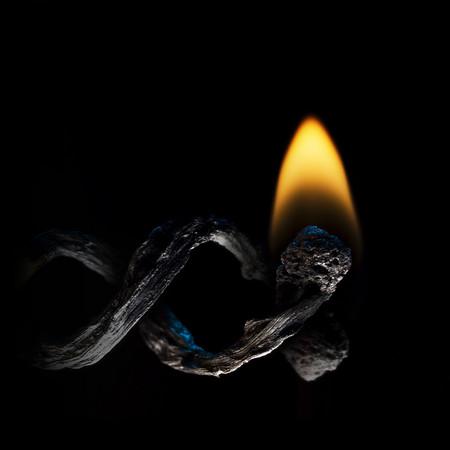 Из дыма и огня. Креативные фотографии горящих спичек. — фото 8