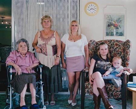Nellie Thorpe 85, Christine Ward 55, Lynne Bathgate 36, Lindsay Bathgate 18, Tegan Bathgate 21 месяц
