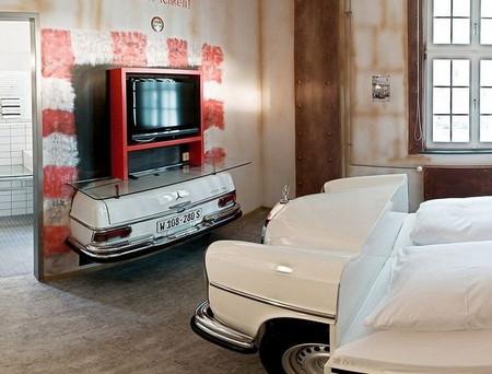 Тематический отель V8 - для влюбленных в автомобили — фото 8