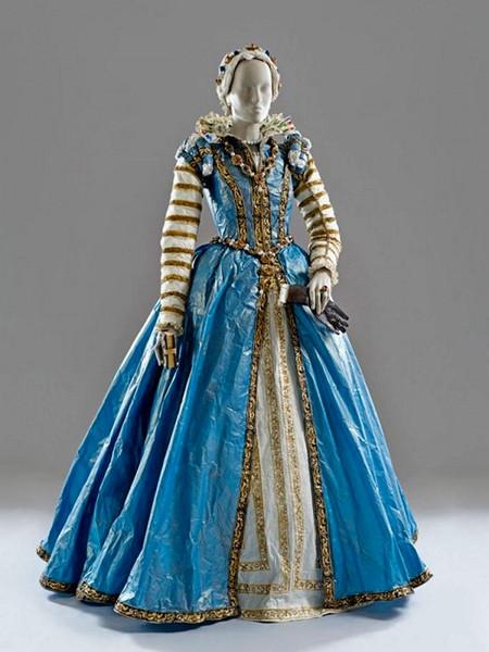 Старинные платья из бумаги от Изабель де Боршграв — фото 6