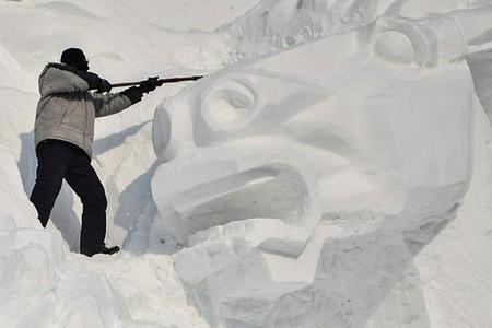 Китайский Фестиваль скульптур из снега Jingyue Snow World Festiva — фото 7