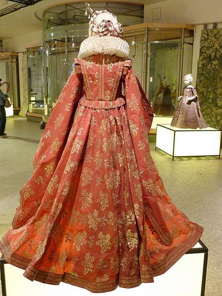 Старинные платья из бумаги от Изабель де Боршграв — фото 5