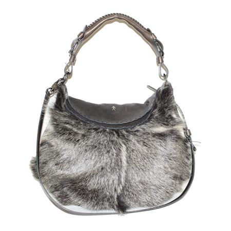 Эта сумка Henry Beguelinскорее не отделана мехом, а сшита из него