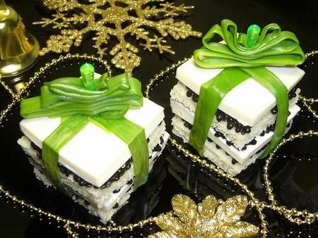 Дед мороз и Снегурочка к Вашему столу :-)