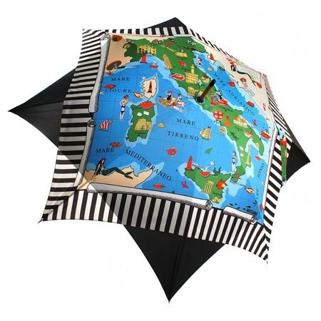 Такой зонт сложно не заметить