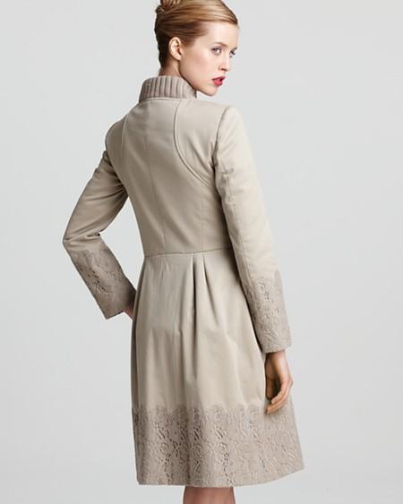 Кружево в отделке пальто: Alberto Feretti