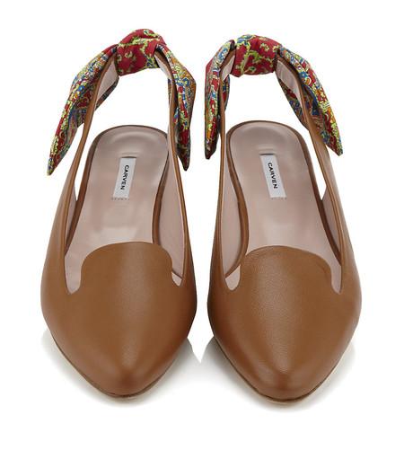 Низкий каблук и плоская подошва: лоферы, балетки, мокасины в модных коллекциях 2013 года — фото 17