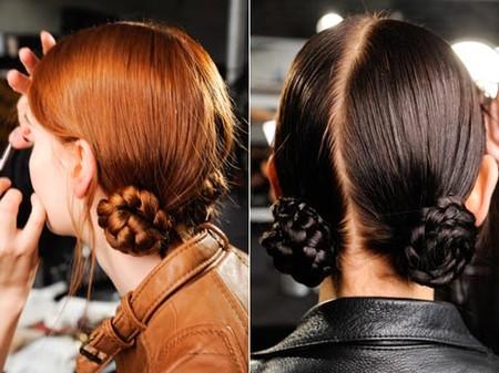 Сочетание модного пучка и не менее модной косы