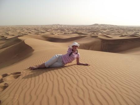 Песок теплый, чистый и удивительно мелкий