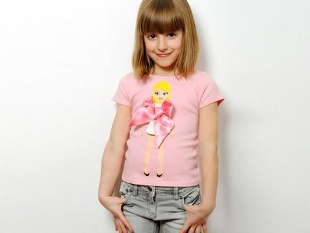 Детская футболка стоит 45 USD