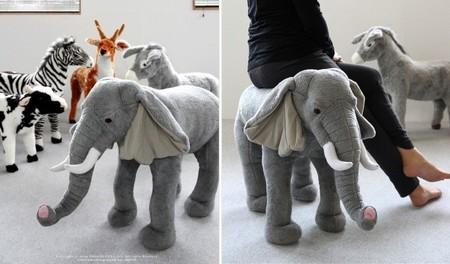 Слон отличается мягчайшими плюшевыми ушами