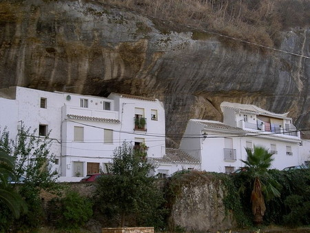 Прогулка под скалами в Сетениль-де-лас-Бодегас — фото 8