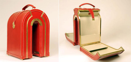 Сложно представить, как именно в этот чемодан укладывать вещи :-)