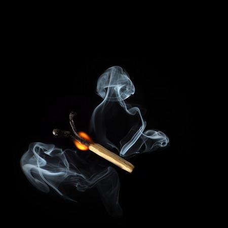 Из дыма и огня. Креативные фотографии горящих спичек. — фото 2