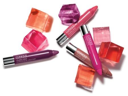 Помада-карандаш - модное слово в макияже губ. — фото 1