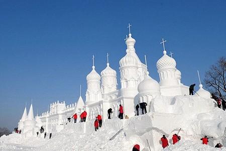 Китайский Фестиваль скульптур из снега Jingyue Snow World Festiva — фото 3