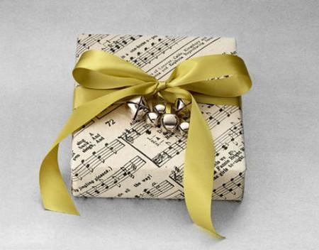 Нотная бумага — отличный материал для упаковки