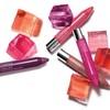 Помада-карандаш - модное слово в макияже губ.