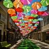 "Инсталляция ""Umbrella Sky"": небо, зонтики и яркие краски!"