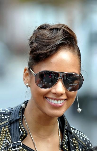 Хорошие очки защищают от солнца, но не от мужчин. Как выбрать хорошие очки. — фото 6