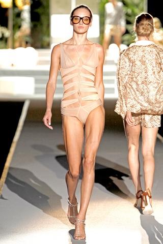 Эй вы, там, на берегу! Модные тенденции пляжного сезона 2011 — фото 6