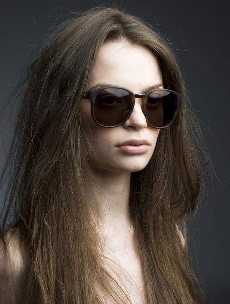 Хорошие очки защищают от солнца, но не от мужчин. Как выбрать хорошие очки. — фото 11