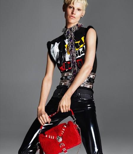 РОКовые красотки: рекламная кампания Versace, приуроченная к осенне-зимнему сезону 2013-2014 — фото 16