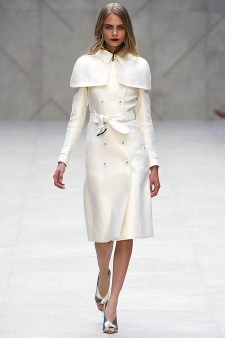 Обзор модных пальто сезона весна-лето 2013 — фото 32