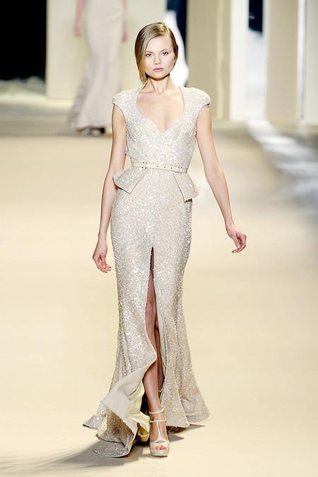 Очаровательное платье с баской от Elie Saab
