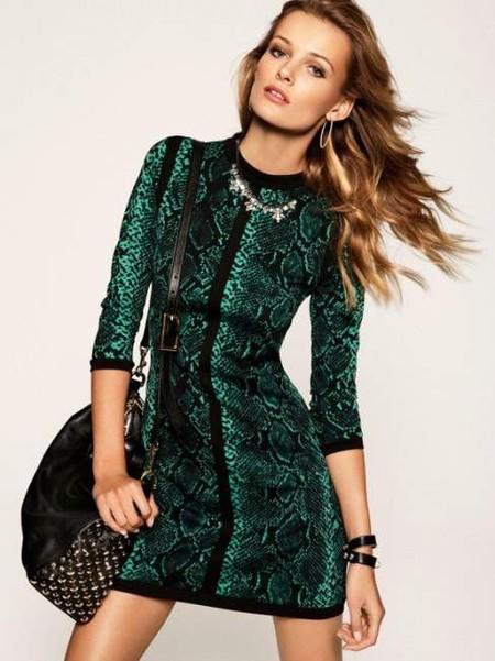 Платье со змеиным принтом – самый лучший вариант для встречи Нового года 2013))