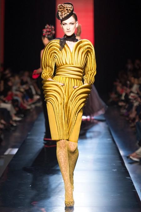 Фееричная кутюрная коллекция Jean Paul Gaultier осень-зима 2013-2014 — фото 21