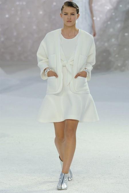 Лилейные платья и жакеты Chanel