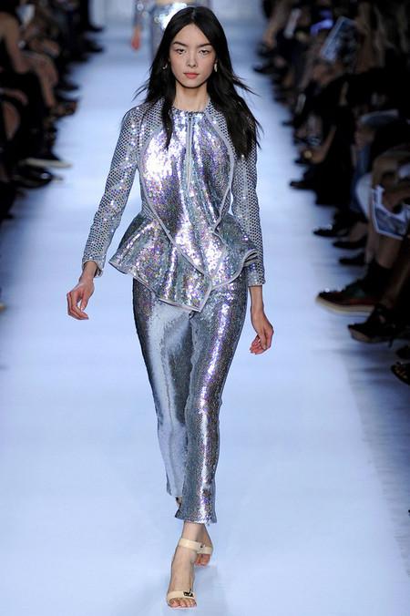 Морской стиль – модная тенденция весенне-летнего сезона 2012 — фото 16