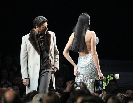 Загляделся итальянец на русскую красавицу:)