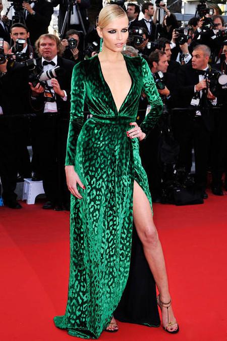 Наташа Поли в бархатном платье Gucci
