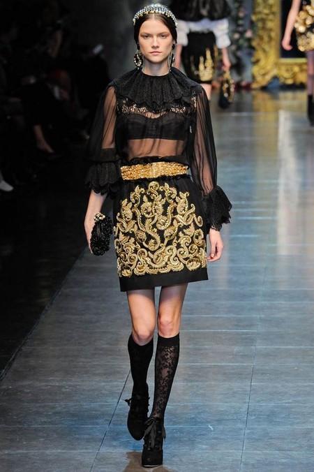 Наряды Dolce&Gabbana с кружевными элементами