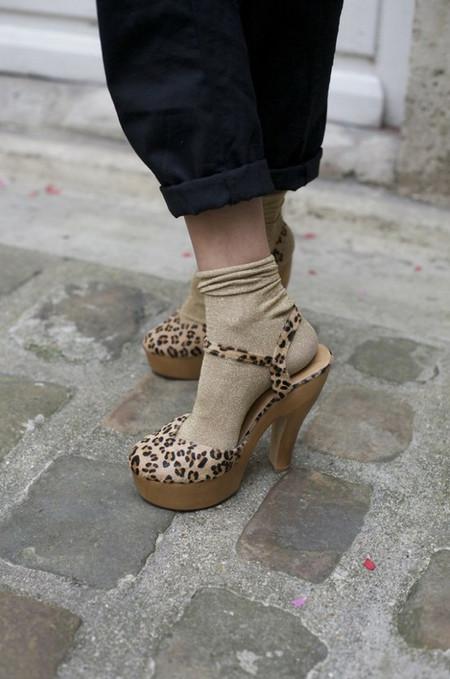 Носочный тренд: с какой летней обувью можно носить носки — фото 5