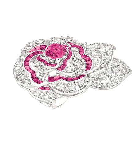 Шикарные украшения ко Дню святого Валентина от Dolce&Gabbana, Chanel, Dior и Louis Vuitton — фото 8