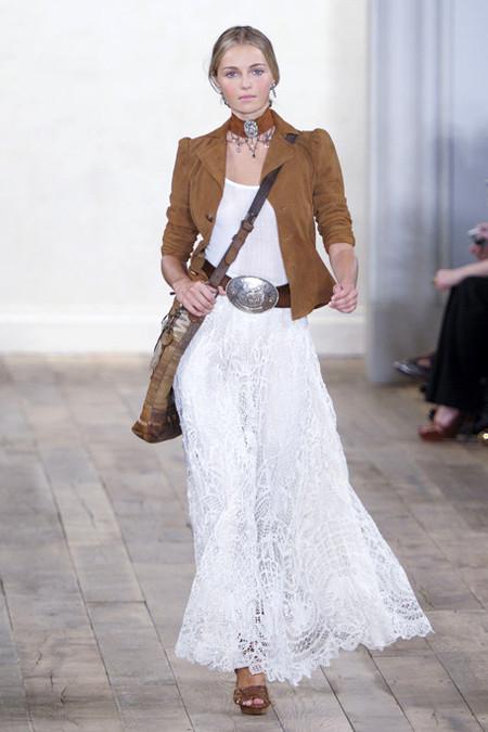 Белое платье – один из трендов, представленных на неделях высокой моды — фото 6