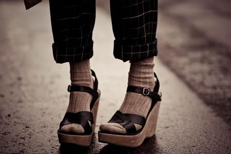 Носочный тренд: с какой летней обувью можно носить носки — фото 8