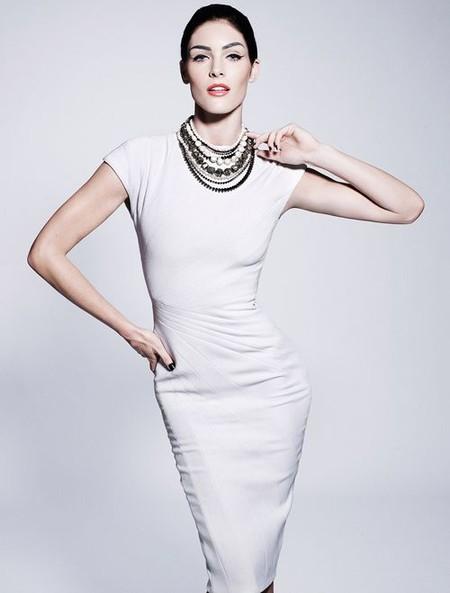Монохромные платья-футляры