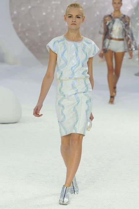 Морской стиль – модная тенденция весенне-летнего сезона 2012 — фото 3